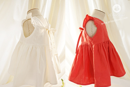 쪼꼬미가 좋다면 나도 좋아 :) - ivory, red linen cotton baby cute blouse