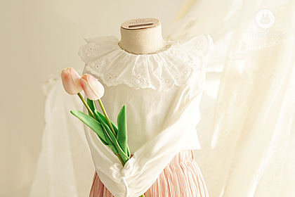 쪼꼬미는 하얀 우유를 좋아해 :) -lovely lace frill collar cotton baby blouse